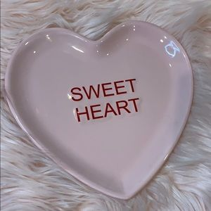 Sweetheart plate